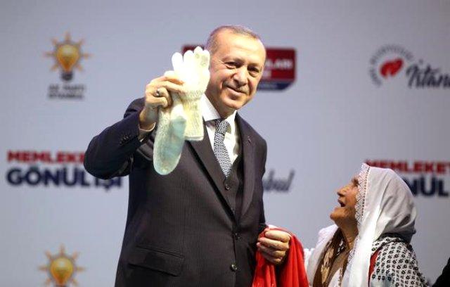 cumhurbaskani-erdogan-83-yasindaki-meliha-teyze-11729685_991_m.jpg