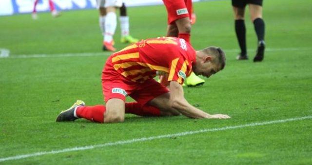 Kayserisporlu Artem Kravets, Göztepe Maçında Çimleri Dövdü