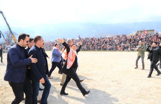 Başkan Çerçioğlu, Bozdoğan Deve Güreşlerini İzledi