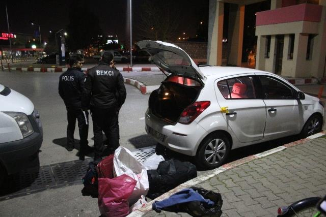 Otomobile Seyir Halindeyken Ateş Açıldı: 1 Yaralı