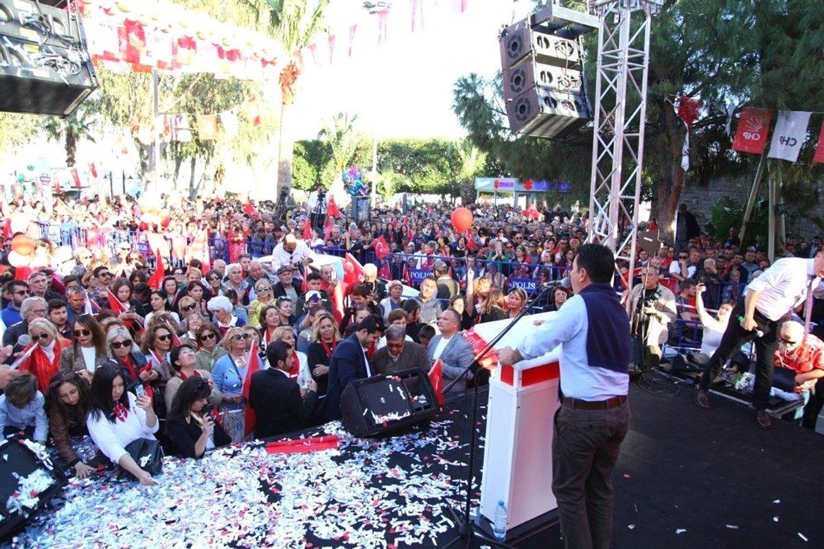 Bodrum'da Ahmet Aras İzdihamı