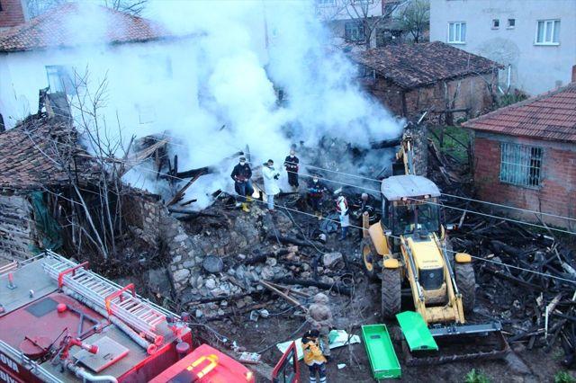 Amasya'da Yangın: 2 Ölü