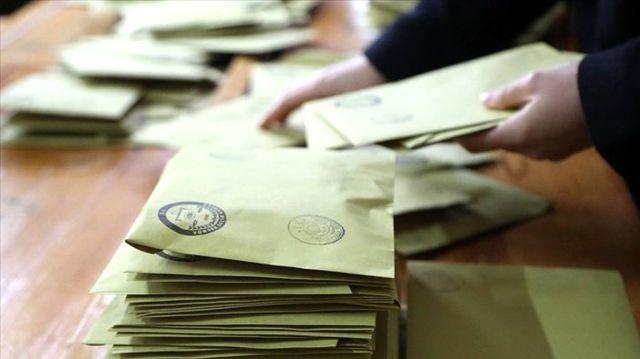 AK Parti İstanbul'da oyların yeniden sayılmasını istedi