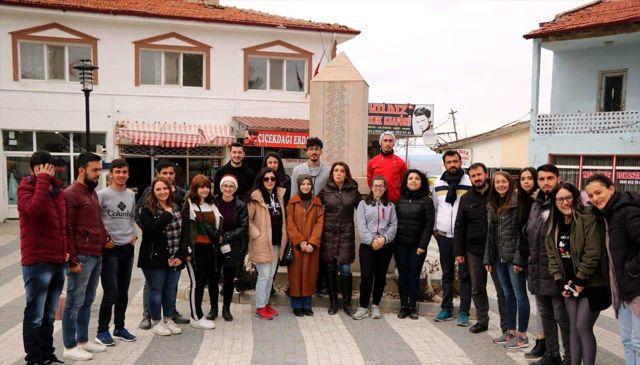 Üniversite Öğrencileri Mehmet Çavuş'u Unutmadı