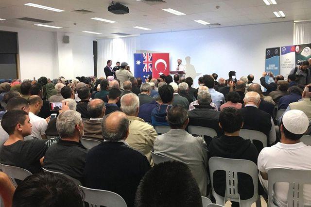 Diyanet İşleri Başkanı Erbaş, Sidney'de Gurbetçiler ile Bir Araya Geldi