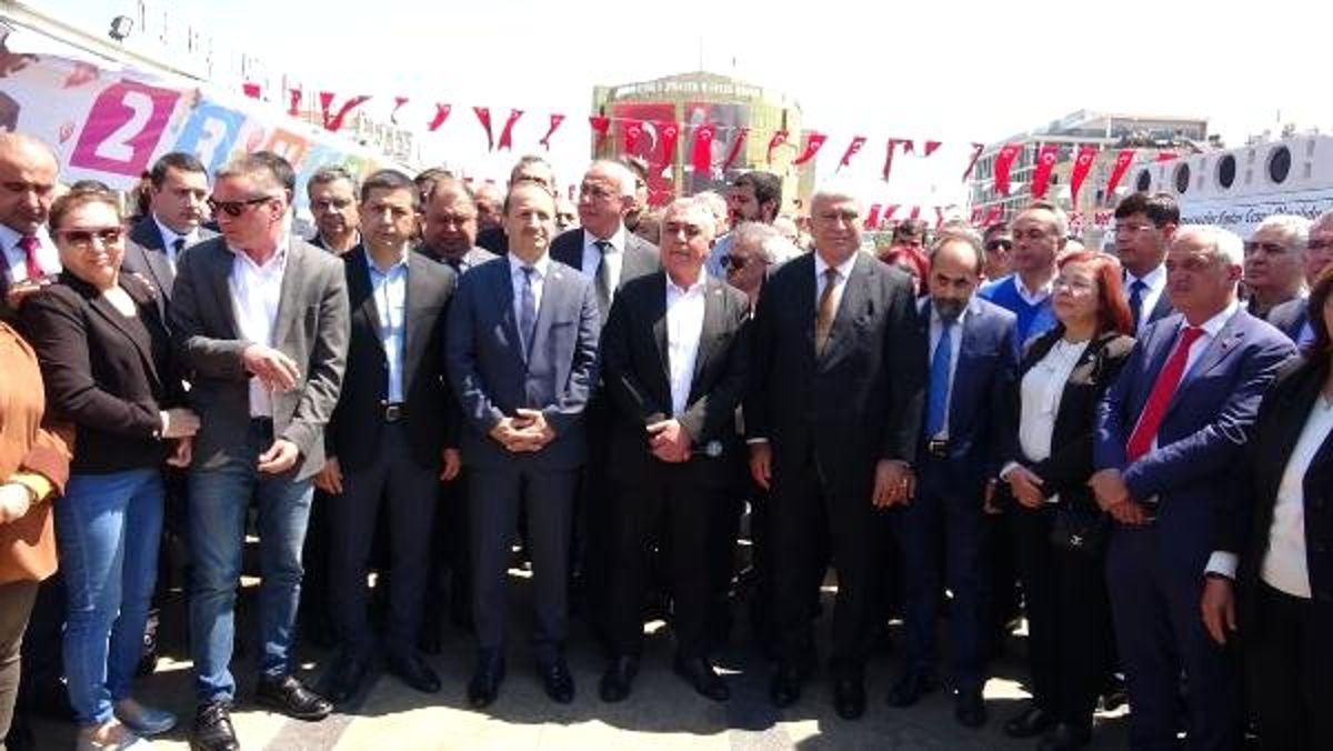 Aydın'da CHP ve İyi Partililer Kılıçdaroğlu'na Saldırıyı Kınadı