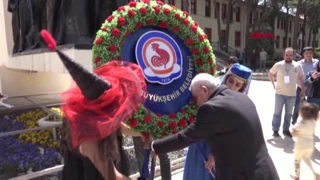 Denizli'de Tiyatro Festivali Başladı