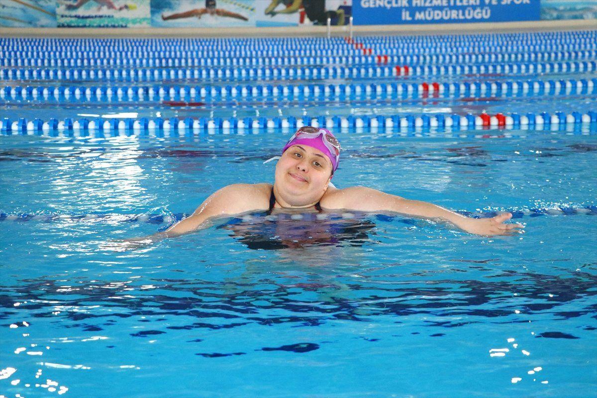 Down Sendromlu Yüzücünün Hedefi Milli Takım