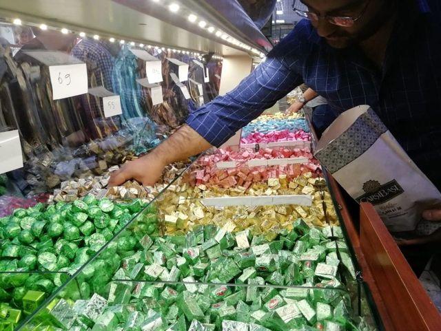 Bayramlık Çikolata ve Şeker Tezgahlarda Yerini Aldı