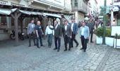Dışişleri Bakanı Çavuşoğlu, Ortaköy'de esnaf ziyaretinde bulundu