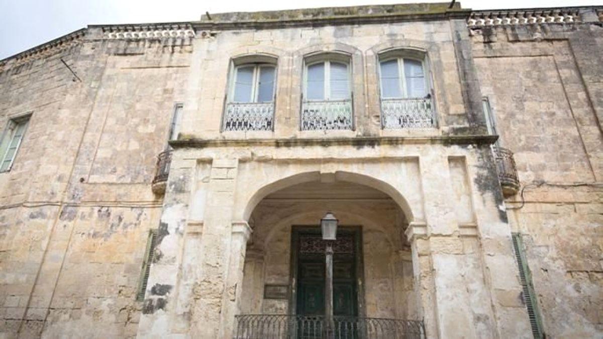 Kraliçe 2. Elizabeth'in Malta'daki eski villası 6 milyon euroya satışa çıkarıldı