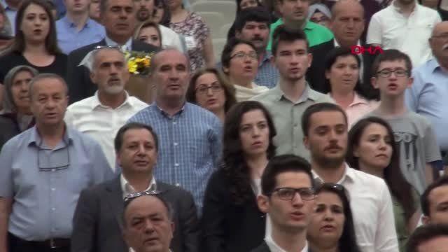 SİVAS Mezuniyet töreninde sürpriz evlilik teklifi