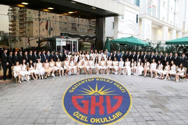 GKV Ortaokulu mezunlarına muhteşem balo