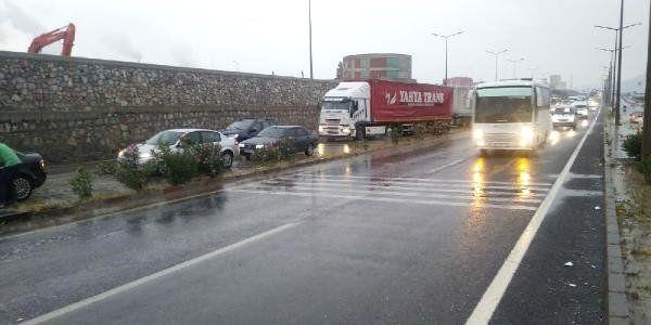Turgutlu'da ulaşıma kısa süreli yağmur engeli