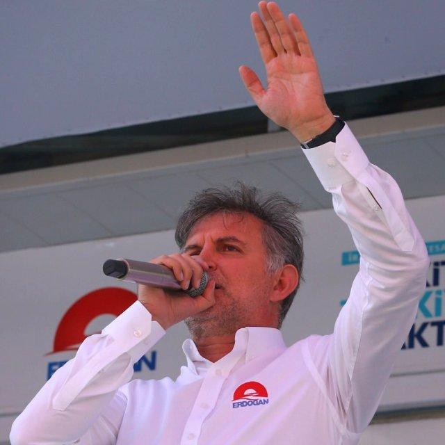 Cumhurbaşkanı Erdoğan'a yakın isimden AK Parti'de değişim sinyali!