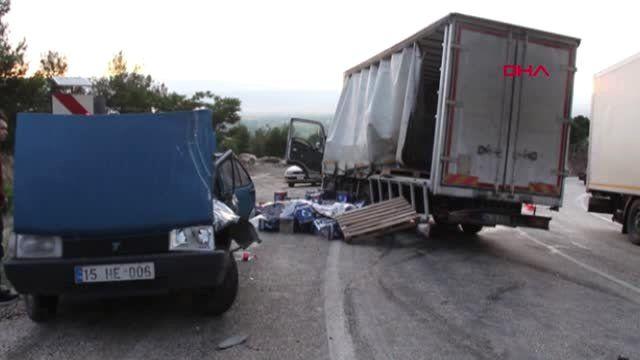 Burdur'da kaza 2 yaralı