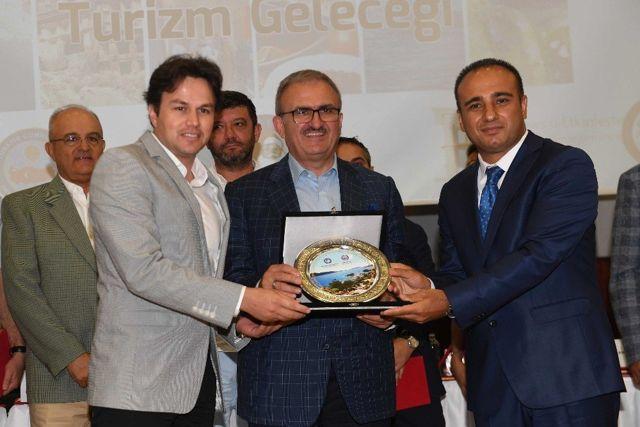 Antalya Valisi Münir Karaloğlu: