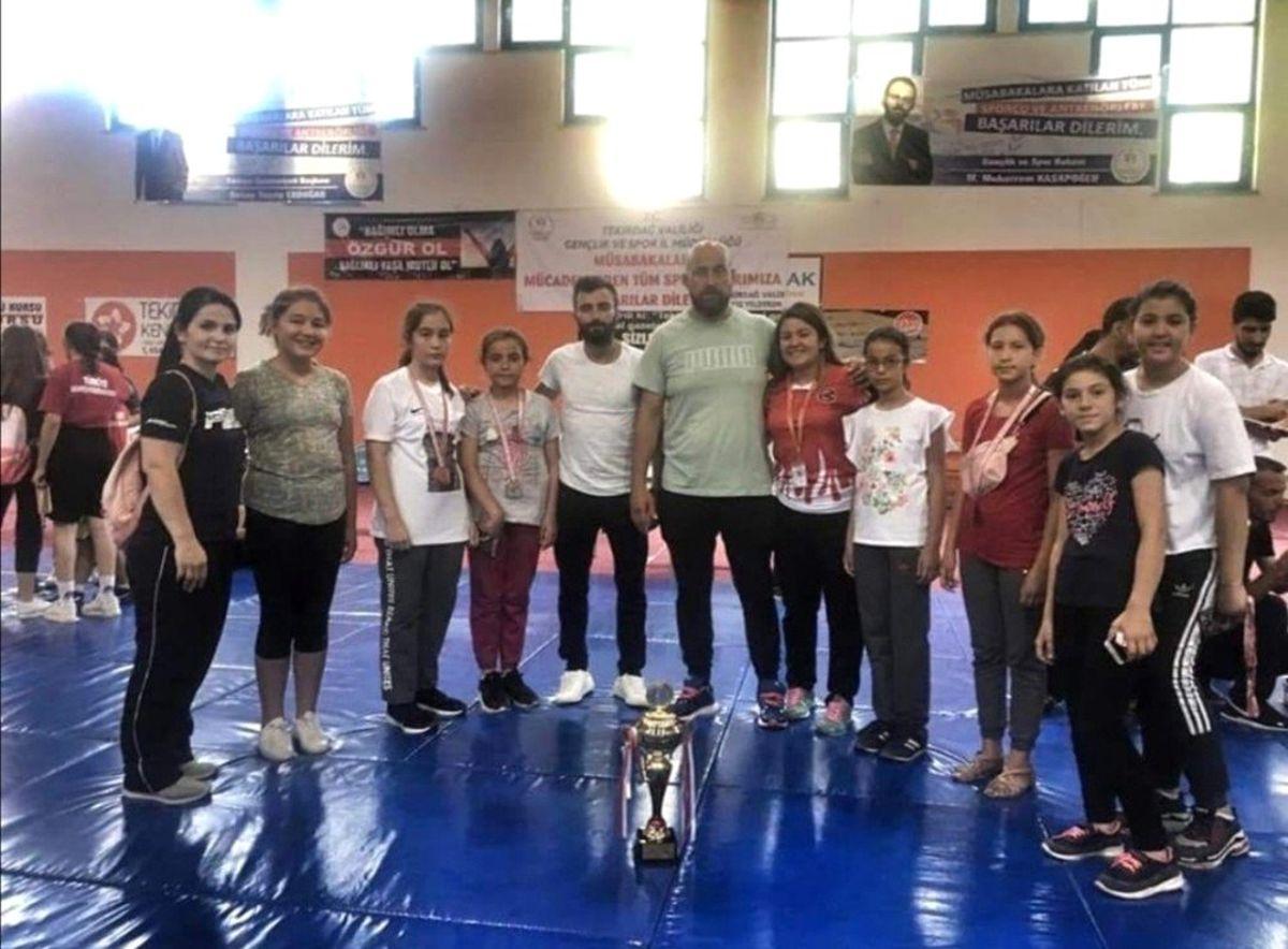 Türkiye Şampiyonları Karesi Belediyespor'dan
