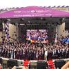 Şebnem Ferah öğrencilerin mezuniyet heyecanına ortak oldu