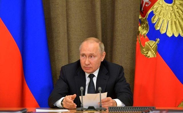 Putin ve Zelenskiy Ukrayna'nın doğusu için görüştü