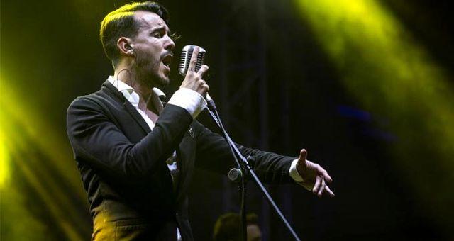 Şarkıcı Cem Adrian, Instagram hesabından kaza geçirdiğini duyurdu