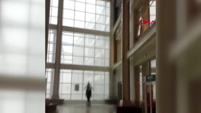 Yağmur nedeniyle hastaneyi su bastı