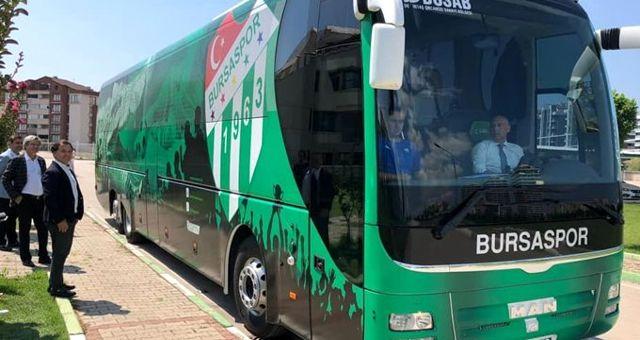 Bursaspor, Fenerbahçe maçına hacizden geri aldığı otobüsle gitti