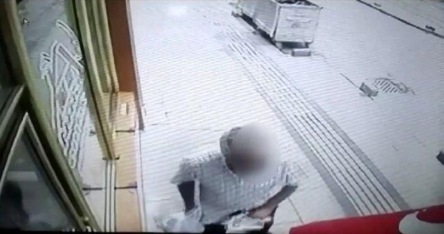 Sivas'ta kaybolan gazetelerinin izini süren esnaf, güvenlik kamerası taktırıp görüntüleri izleyince...