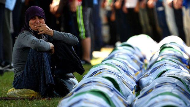 Hollanda Yüksek Mahkemesi, ülkesini Srebrenitsa katliamından kısmen suçlu buldu