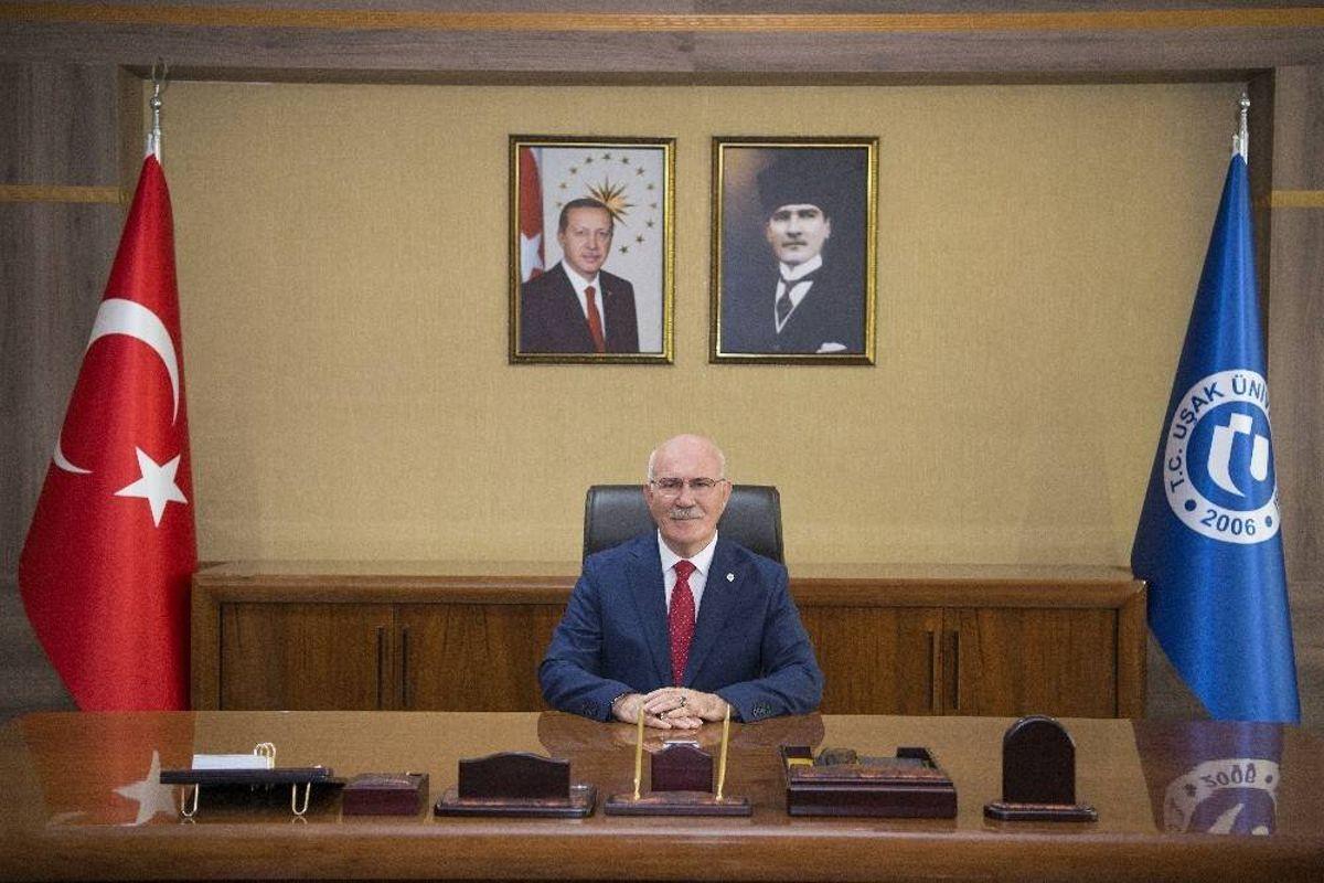 Rektör Savaş 'Basın Bayramı'nı kutladı