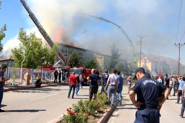 Konya'daki silah fabrikasındaki yangın söndürüldü