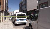 Eskişehir'de birlikte yaşadığı kadını bıçakla öldüren şüpheli, intihar teşebbüsünde bulundu.