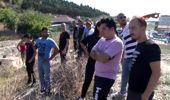 Ataşehir'de sahibinin elinden kaçan kurbanlık hayvan derede mahsur kaldı