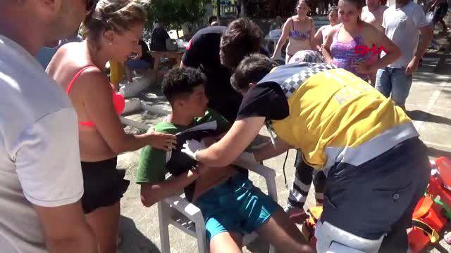 SİNOP Üzerine plaj şemsiye devrilen çocuk, yaralandı