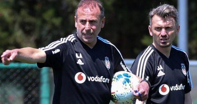 Beşiktaşlı taraftarlardan Orhan Ak'a tepki: İstemiyoruz