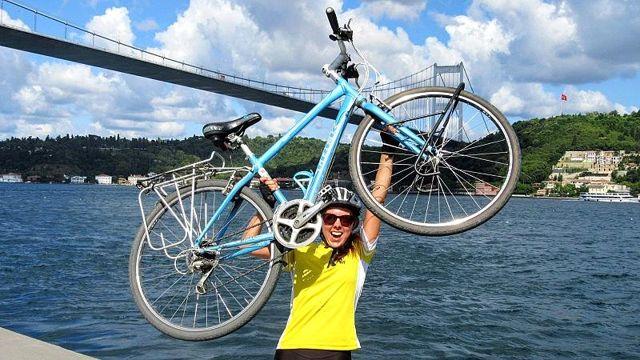 İngiliz kadın bisikletle 89 günde 4500 km pedal çevirerek Londra'dan İstanbul'a ulaştı