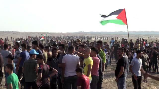 İsrail askerleri Gazze sınırında 122 Filistinliyi yaraladı