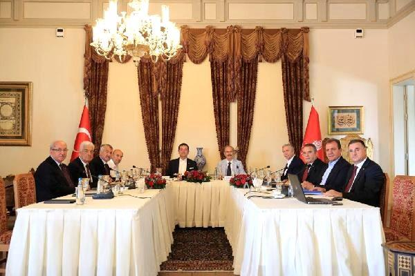 Chp'li büyükşehir belediye başkanları istanbul'daki çalıştayda buluştu