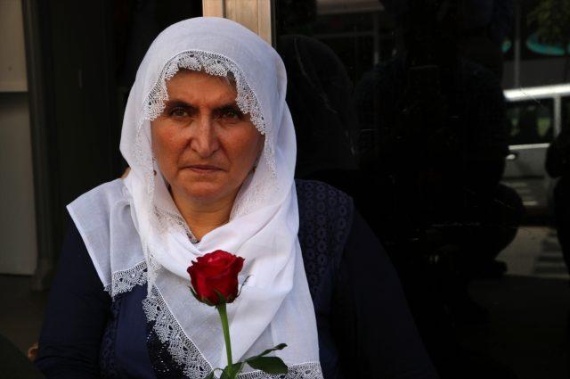Yavrumu dağa kaçırdılar' deyip eylem yapan Hacire Akar'ın oğlu ev hapsi cezası aldı - Haberler