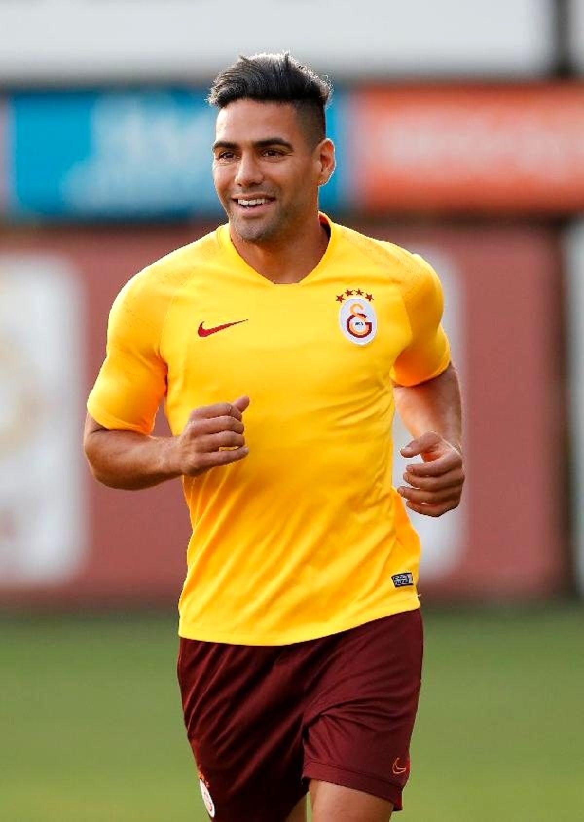 Galatasaray'da yeni transferler antrenmanda