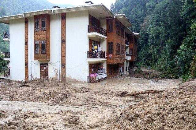 Rize'nin Hemşin ilçesinde yaşanan afetin boyutları gün ağarınca ortaya çıktı