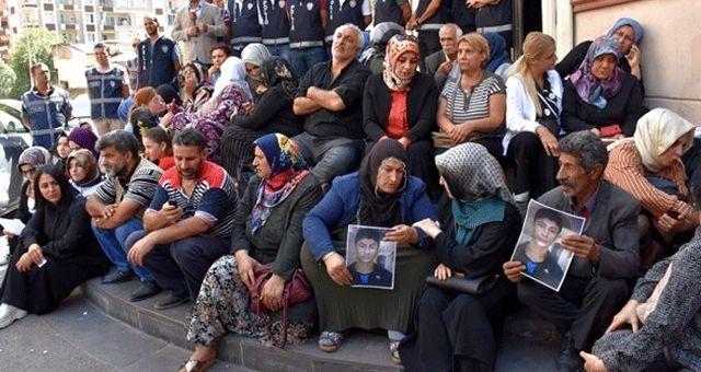 HÜDA PAR'dan HDP önünde eylem yapan annelere destek: Yanlarında olduğumuzu belirtmek isteriz