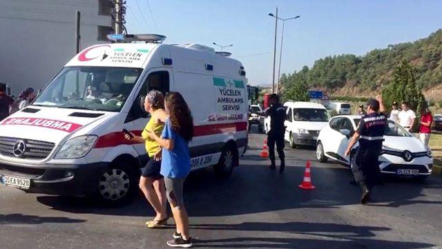 Dalaman ölüm kavşağında yine kaza: Çok sayıda öğrenci yaralı