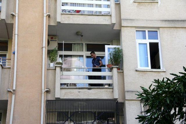 Oğlu yemeği beğenmeyince kendini balkondan aşağı attı