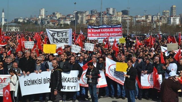 Cumhurbaşkanı Recep Tayyip Erdoğan'ın EYT'lilerle ilgili Prof. Dr. Vedat Bilgin'i görevlendirmesi sonrası binlerce kişi umutlandı. Peki EYT'lilerle ilgili son durum ne? | Sungurlu Haber