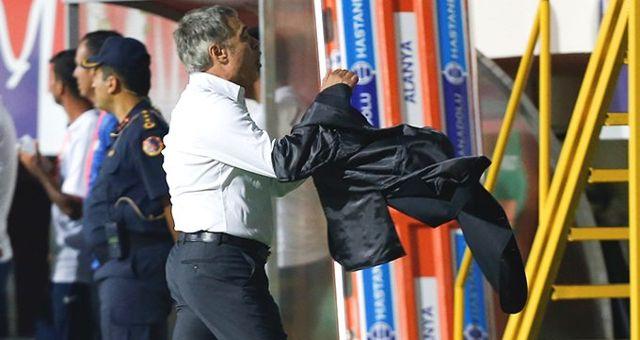 Ersun Yanal, Alanyaspor maçında çılgına döndü!