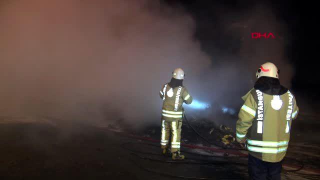 Kuzey marmara otoyolu'nda tır'ın dorsesi alev alev yandı