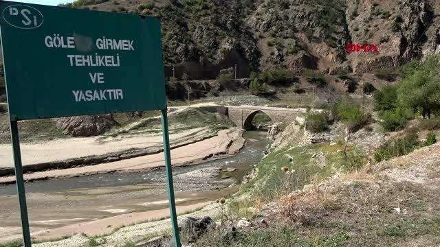 Gümüşhane baraj suları çekilince tarihi köprü ortaya çıktı