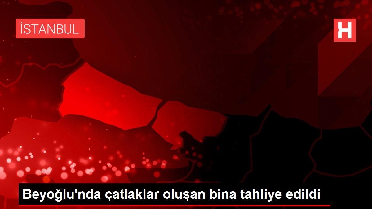 Beyoğlu'nda çatlaklar oluşan bina tahliye edildi