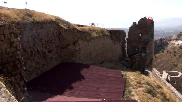 Harput Kalesi'nde 4 bin 800 obje gün yüzüne çıkartıldı
